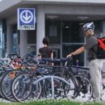 Métro et vélo à Laval